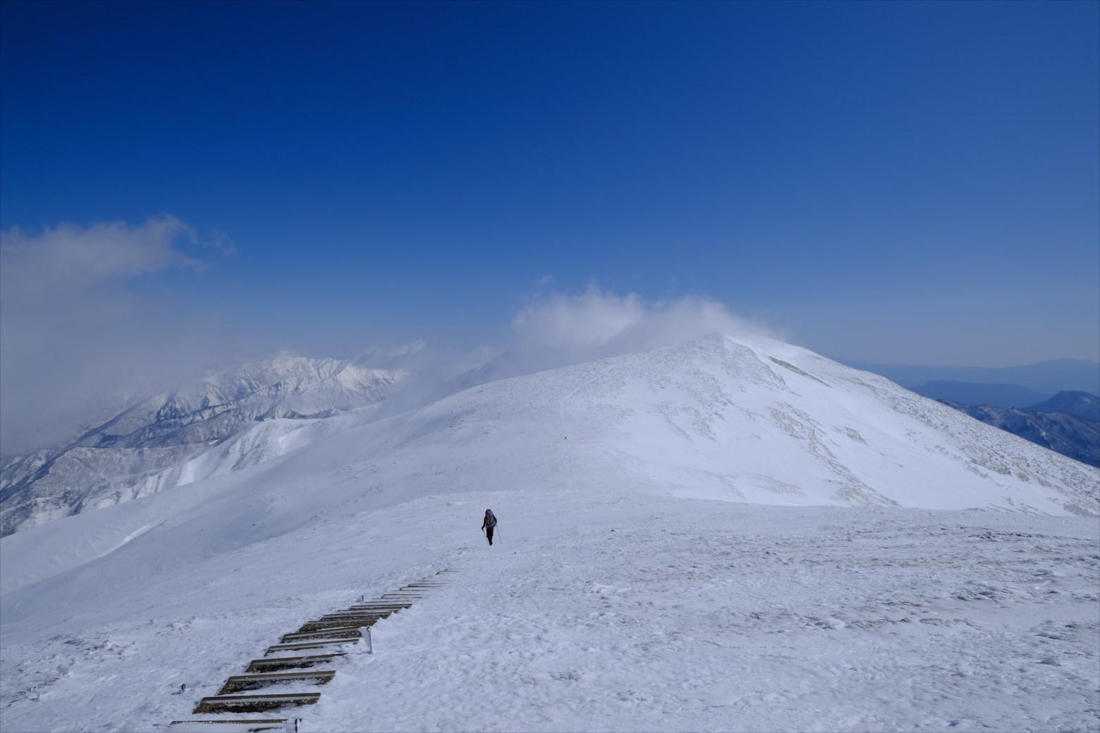 【厳冬期・雪山登山】仙ノ倉山、平標山~広大な雪原ハイク~