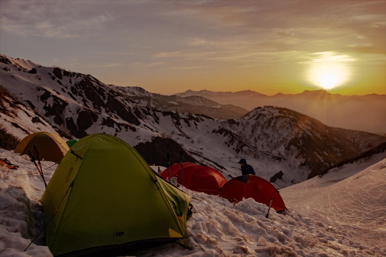 残雪期の山が魅力的な5つの理由
