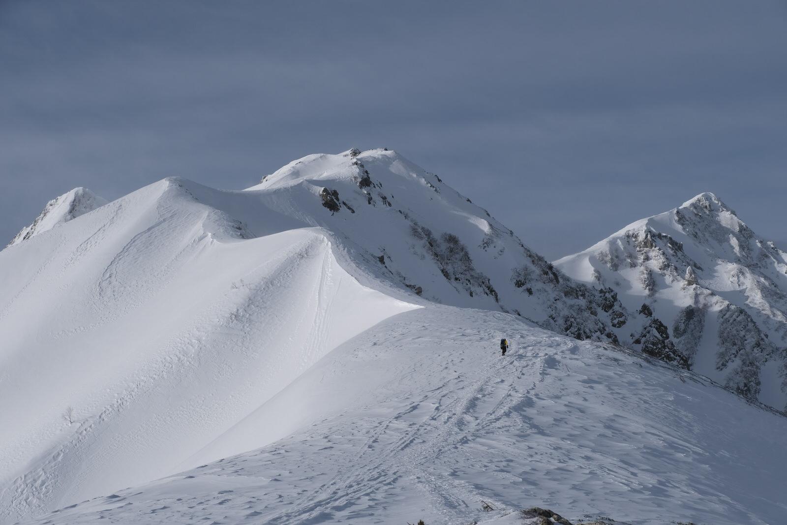 【厳冬期・雪山登山】唐松岳~爆風とラッセルの末に辿り着いた山頂~