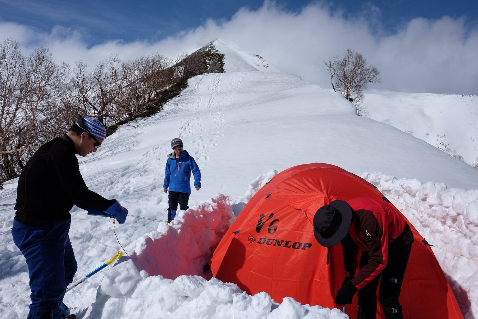 雪山テント泊に必要な道具を紹介します